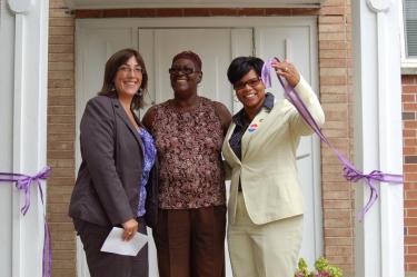 Kirberg-Center-for-Women-in-Transition_Executive-%26-AdvocateDirector_Ribbon-Cutting